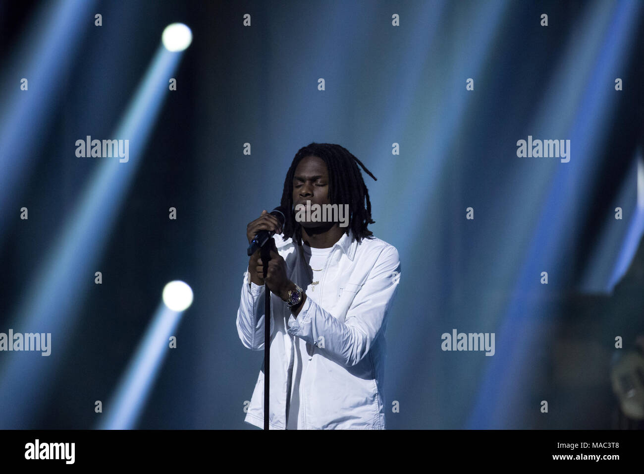 Vancouver, CANADA. 26th March, 2018. Daniel Caeser performs at the 2018 Juno Awards in Vancouver. Credit: Bobby Singh/fohphoto - Stock Image