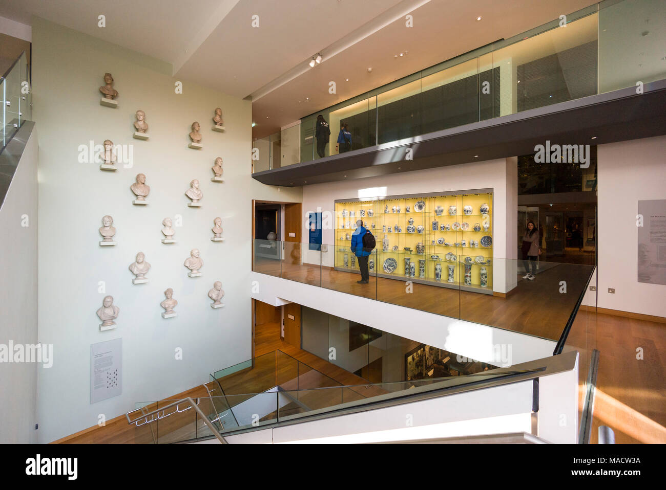 Oxford. England. The Ashmolean Museum, the Sir Francis Chantrey busts and the staircase.  Between 2006-2009, the museum was expanded to the designs of - Stock Image