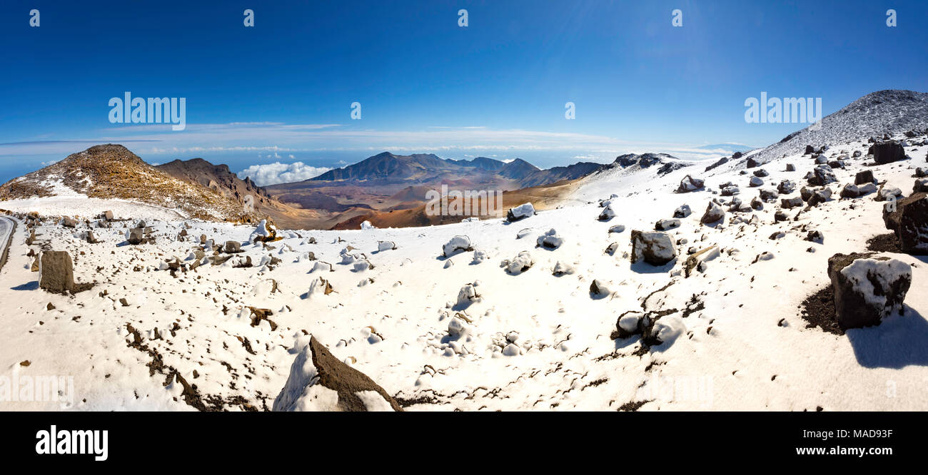 A rare snowfall near the sumit of Haleakala Crater in Haleakala National Park, Maui's dormant volcano, Hawaii. - Stock Image