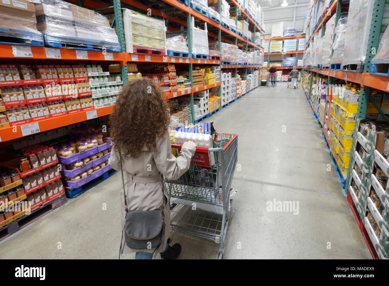 aisle american supermarket stock photos aisle american supermarket stock images alamy. Black Bedroom Furniture Sets. Home Design Ideas