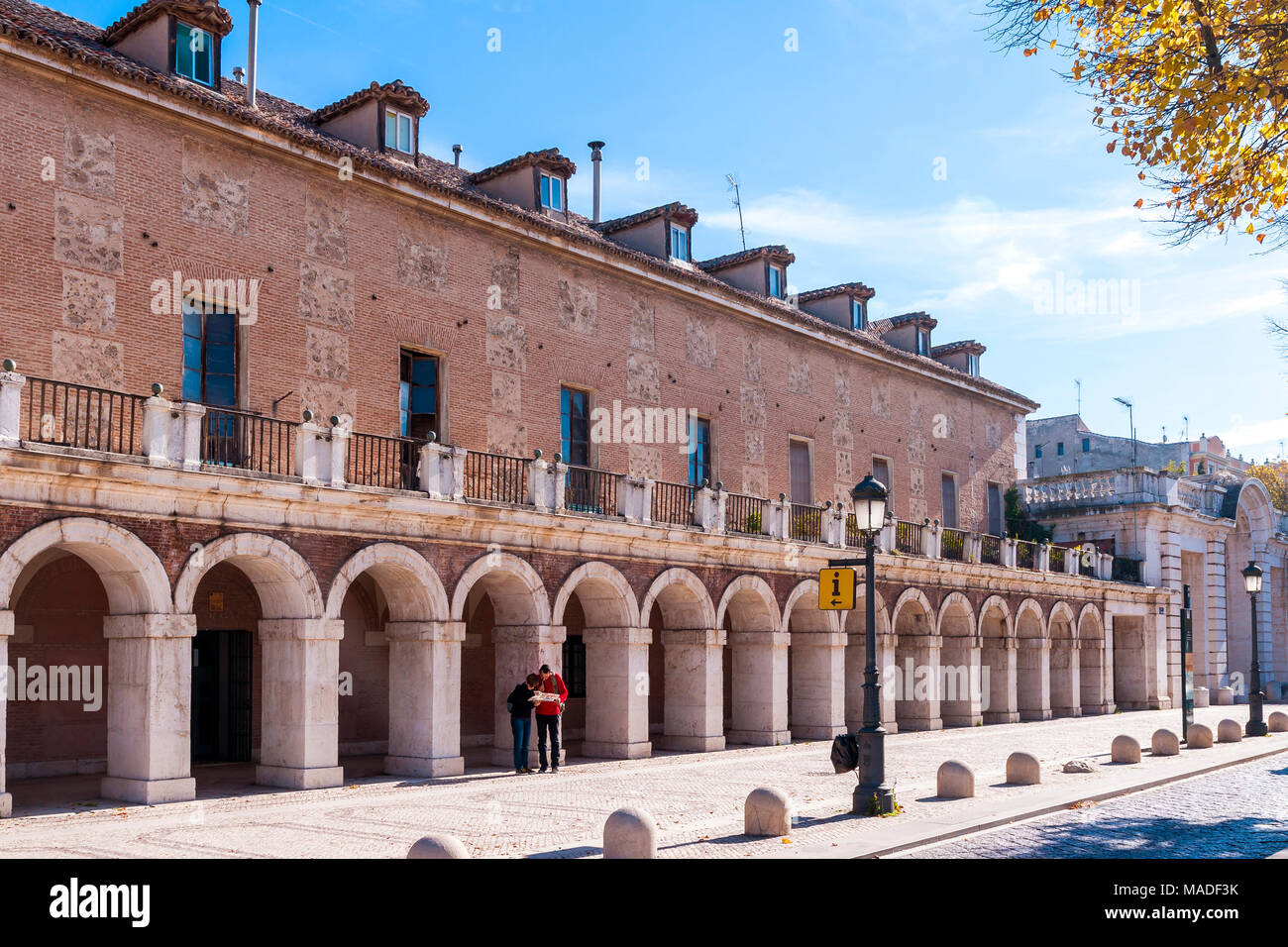 Oficina stock photos oficina stock images alamy for Oficina de turismo barcelona