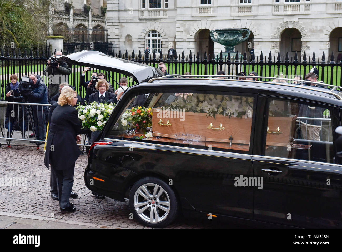 Cambridge, Britain. 31st Mar, 2018. The coffin of British physicist Stephen Hawking arrives at the Great St Mary's Church in Cambridge, Britain, on March 31, 2018. The funeral of Professor Stephen Hawking was held Saturday at a church near the Cambridge University college where he was a fellow for more than half a century. Credit: Stephen Chung/Xinhua/Alamy Live News Stock Photo