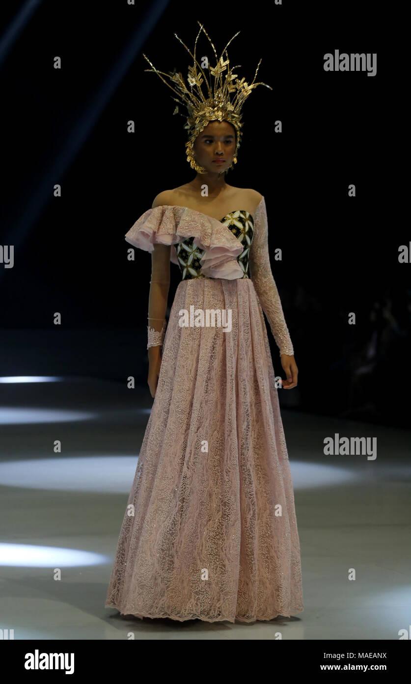 Jakarta Jakarta Indonesia 17th Feb 2018 Fashion Indonesia World Re Enlivened By Organized Indonesia Fashion Week