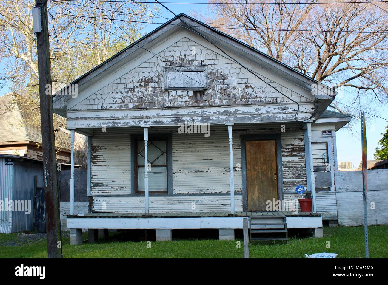 old wooden shotgun shack style house made of wood houston texas USA - Stock Image