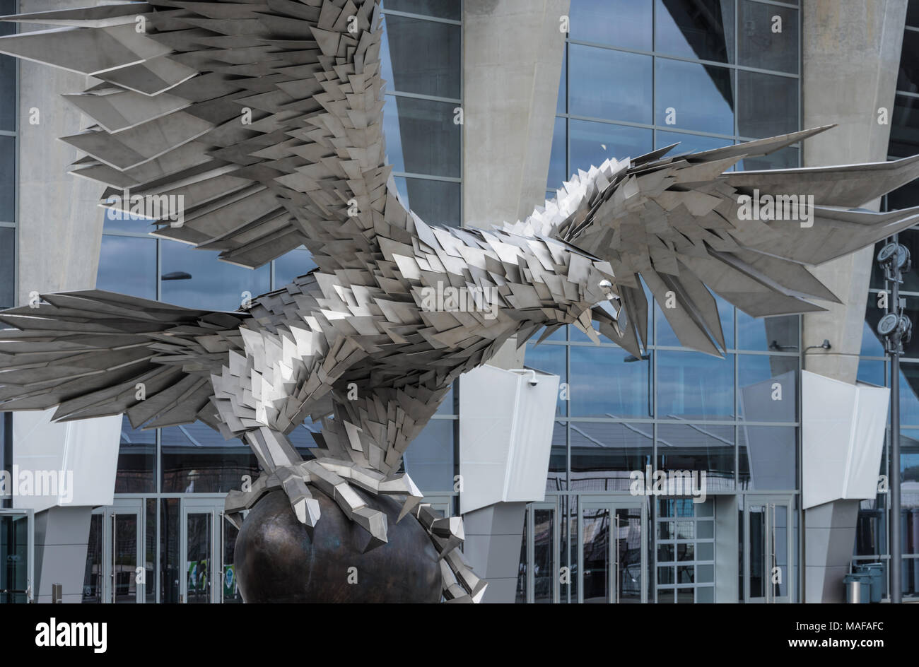 73000-pound-stainless-steel-sculpture-of