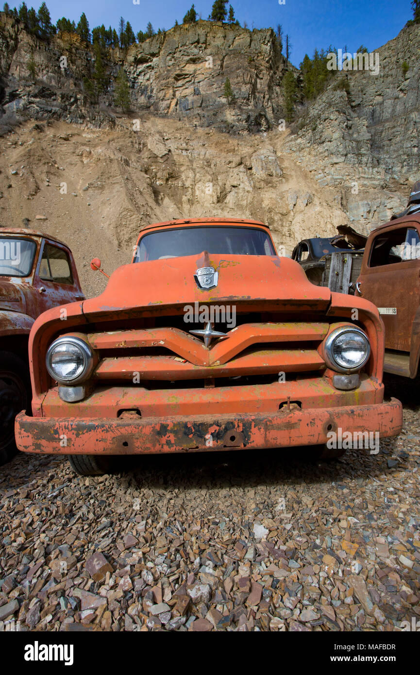 1955 Ford F100 Stock Photos Images Alamy Red The Grill Of An Old F 500 Truck In A
