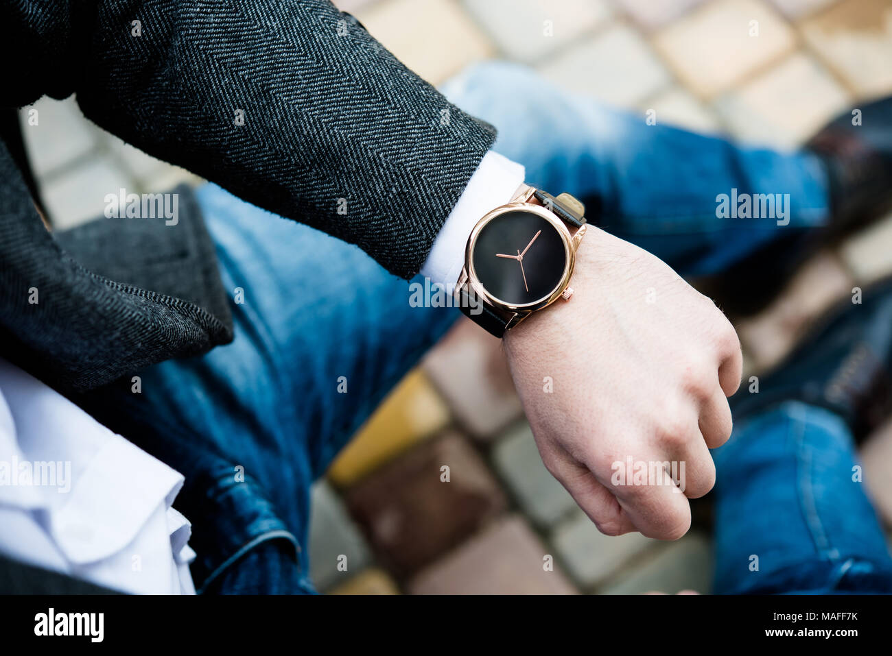 Wrist Watch Men In Gold Stock Photos & Wrist Watch Men In Gold Stock ...