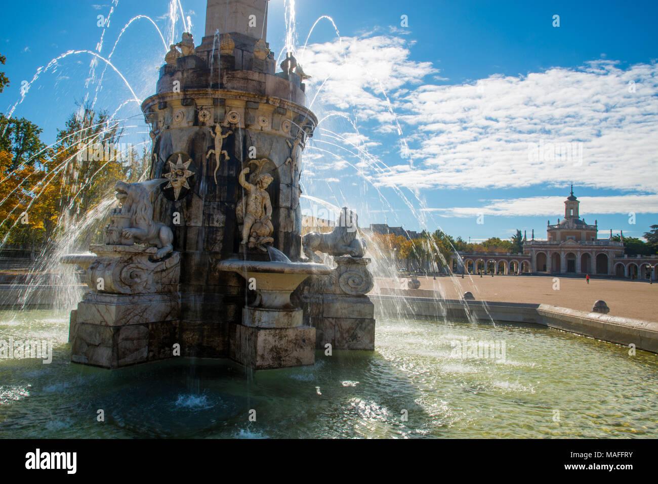 Fountain. San Antonio Square, Aranjuez, Madrid province, Spain. - Stock Image