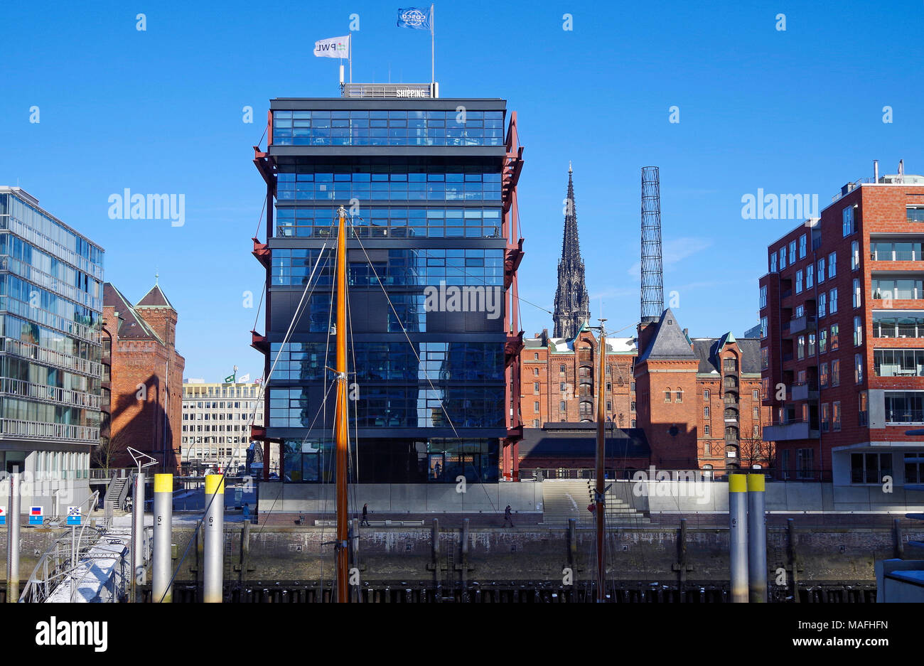 Residential and office buildings on a former docklands jetty of the Hamburg docks, the first phase of the massive HafenCity urban renewal project - Stock Image