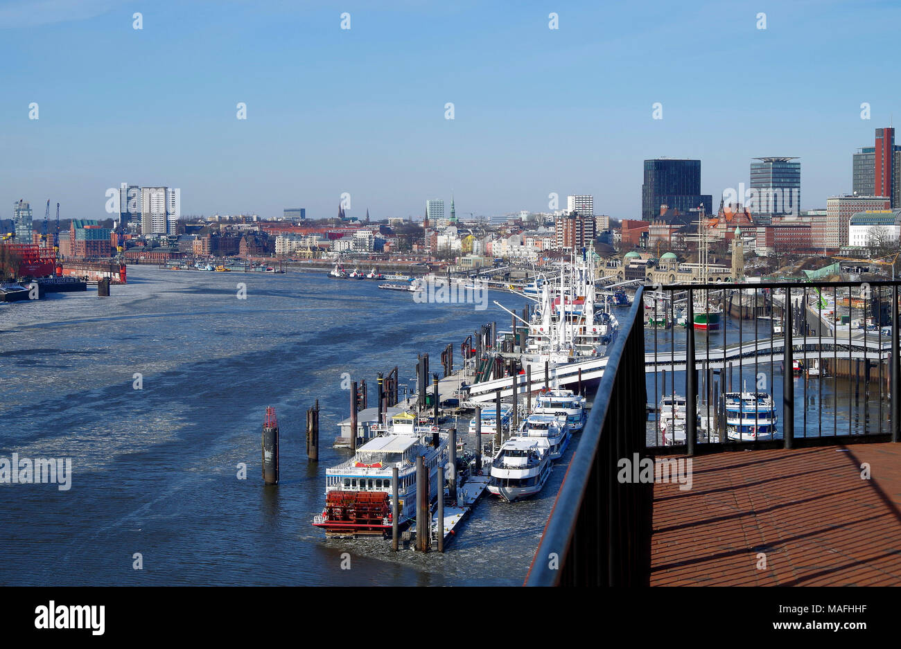 View of the north bank of the Elbe from the viewing deck of the Elbphilharmonie, now mostly used for ferries and citytour boats - Stock Image