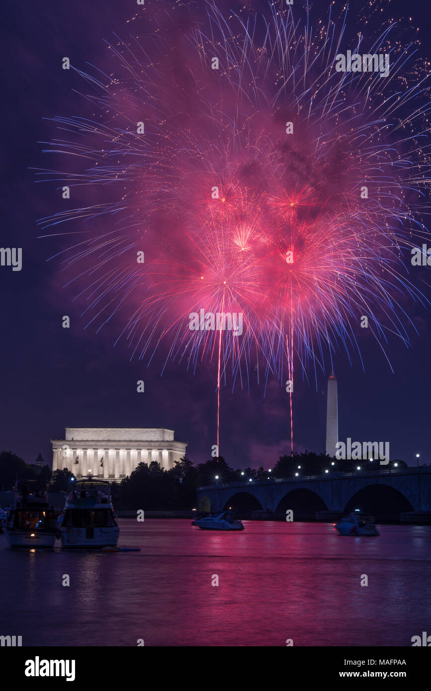 Washington DC fourth of July, July  4th Lincoln memorial Independence day fireworks - Stock Image