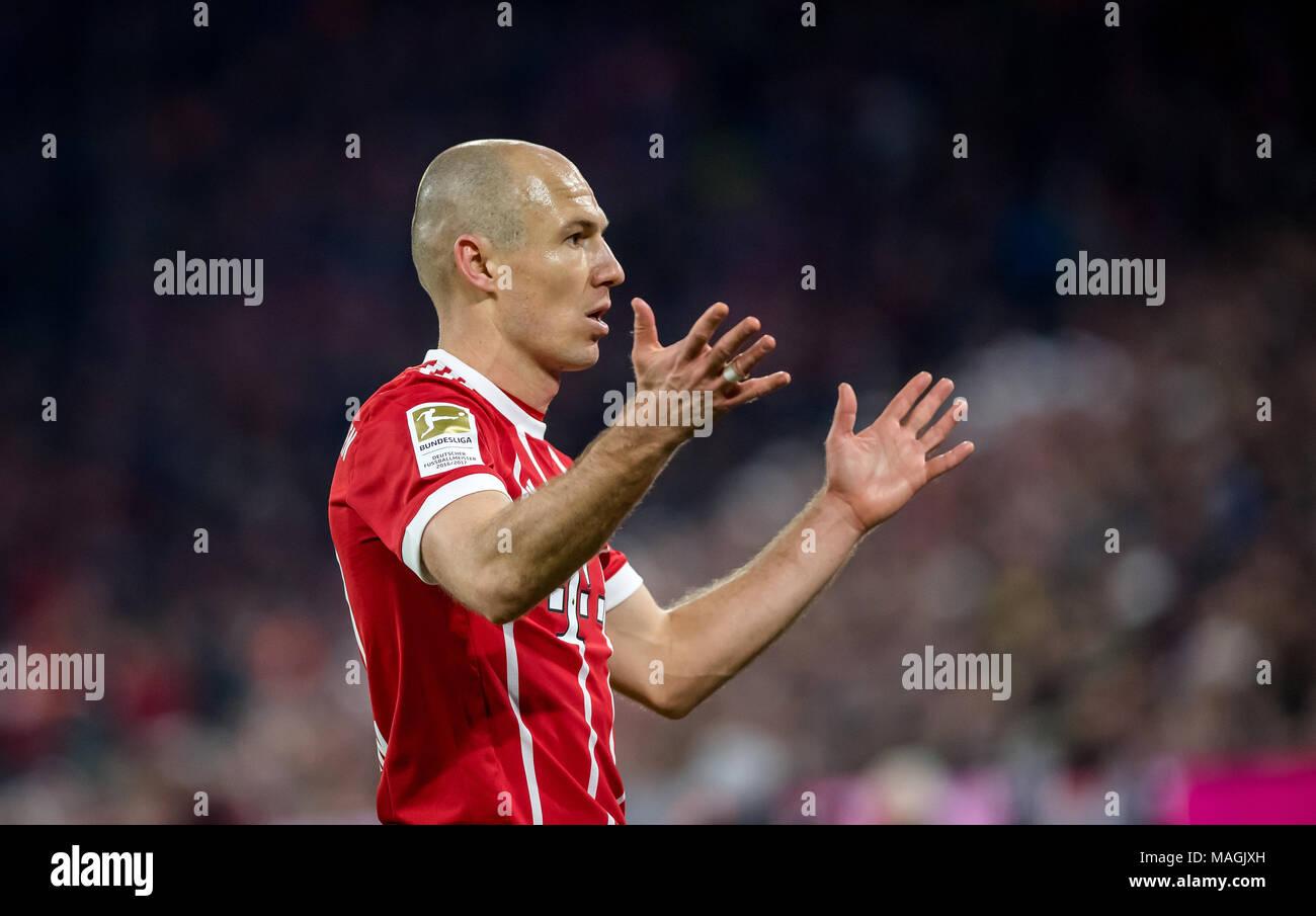 31 March 2018: Munich, Germany: Soccer, German Bundesliga at the Allianz Arena: FC Bayern Munich vs Borussia Dortmund: Munich's Arjen Robben. -NO WIRE SERVICE- Photo: Thomas Eisenhuth/dpa-Zentralbild/ZB - Stock Image