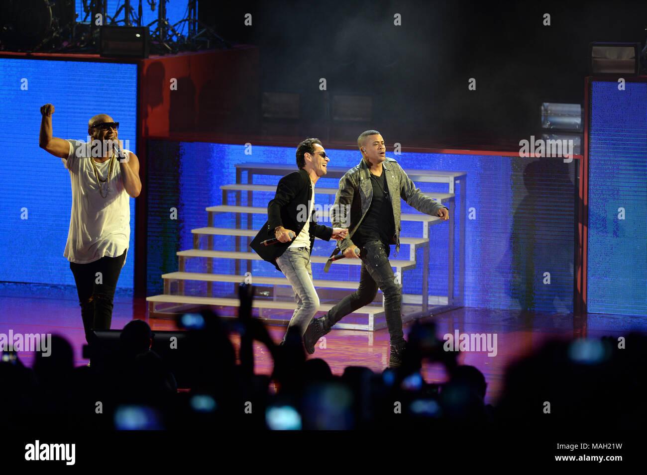 Jennifer Lopez Marc Anthony Perform Stock Photos & Jennifer