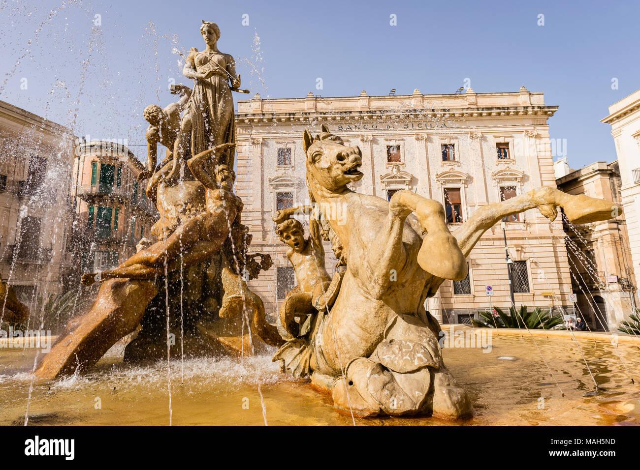 Fountain of Diana, Ortigia, Siracusa, Sicily. - Stock Image