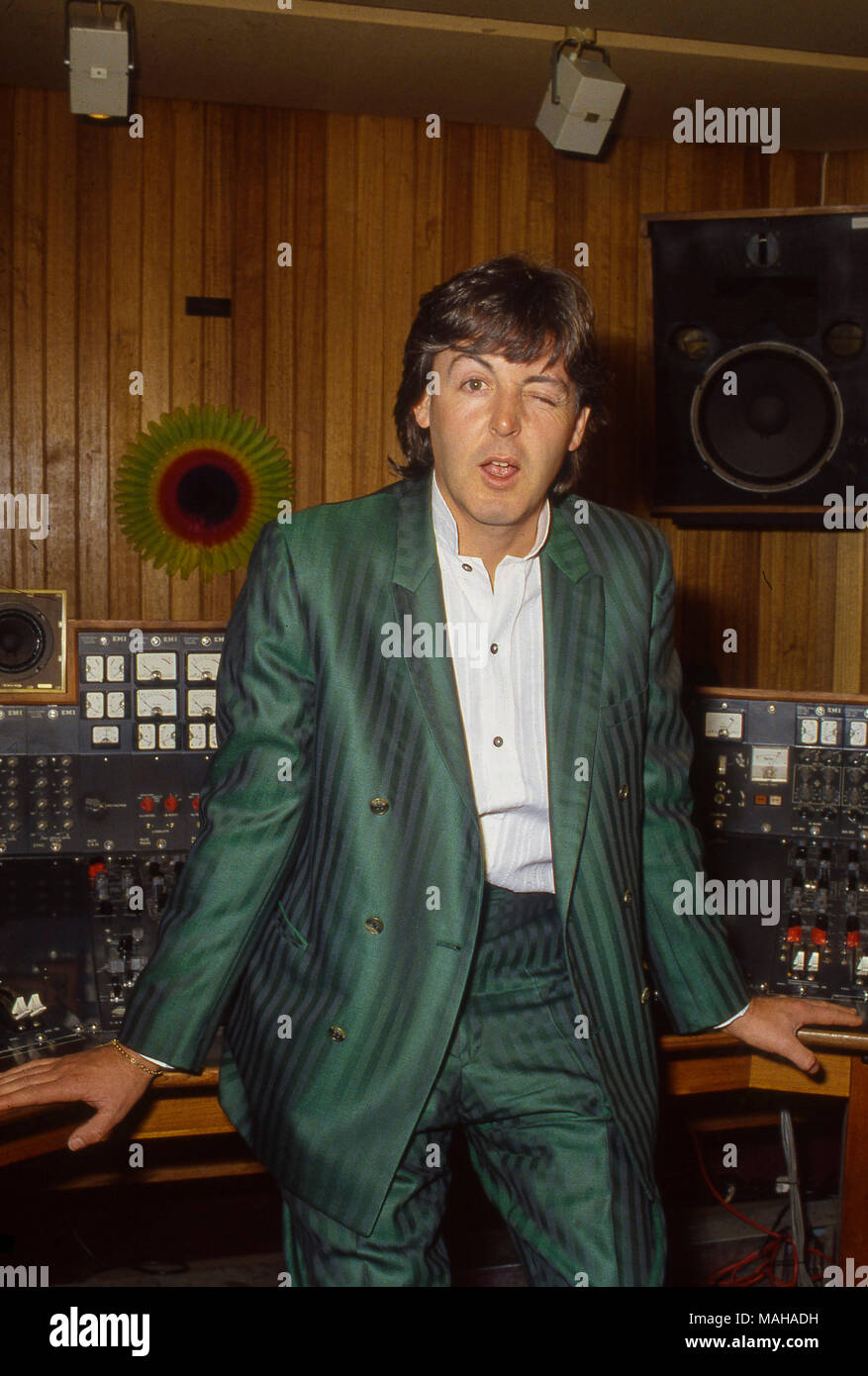 Paul McCartney at the Abbey Road Studios promotong his second solo album McCartney II in 1980 - Stock Image