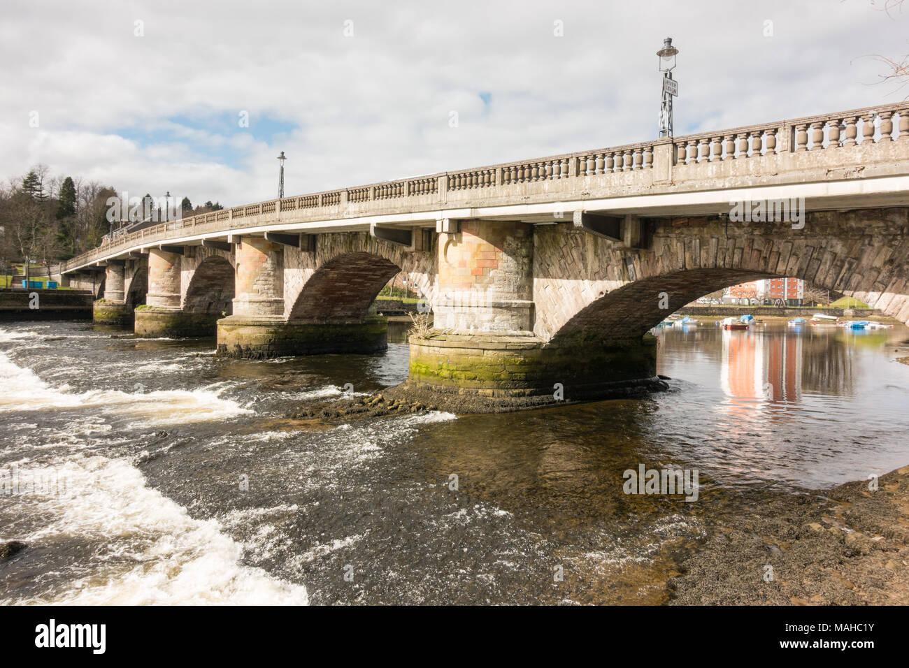Old Dumbarton Bridge over the River Leven, Dumbarton, Scotland, UK - Stock Image