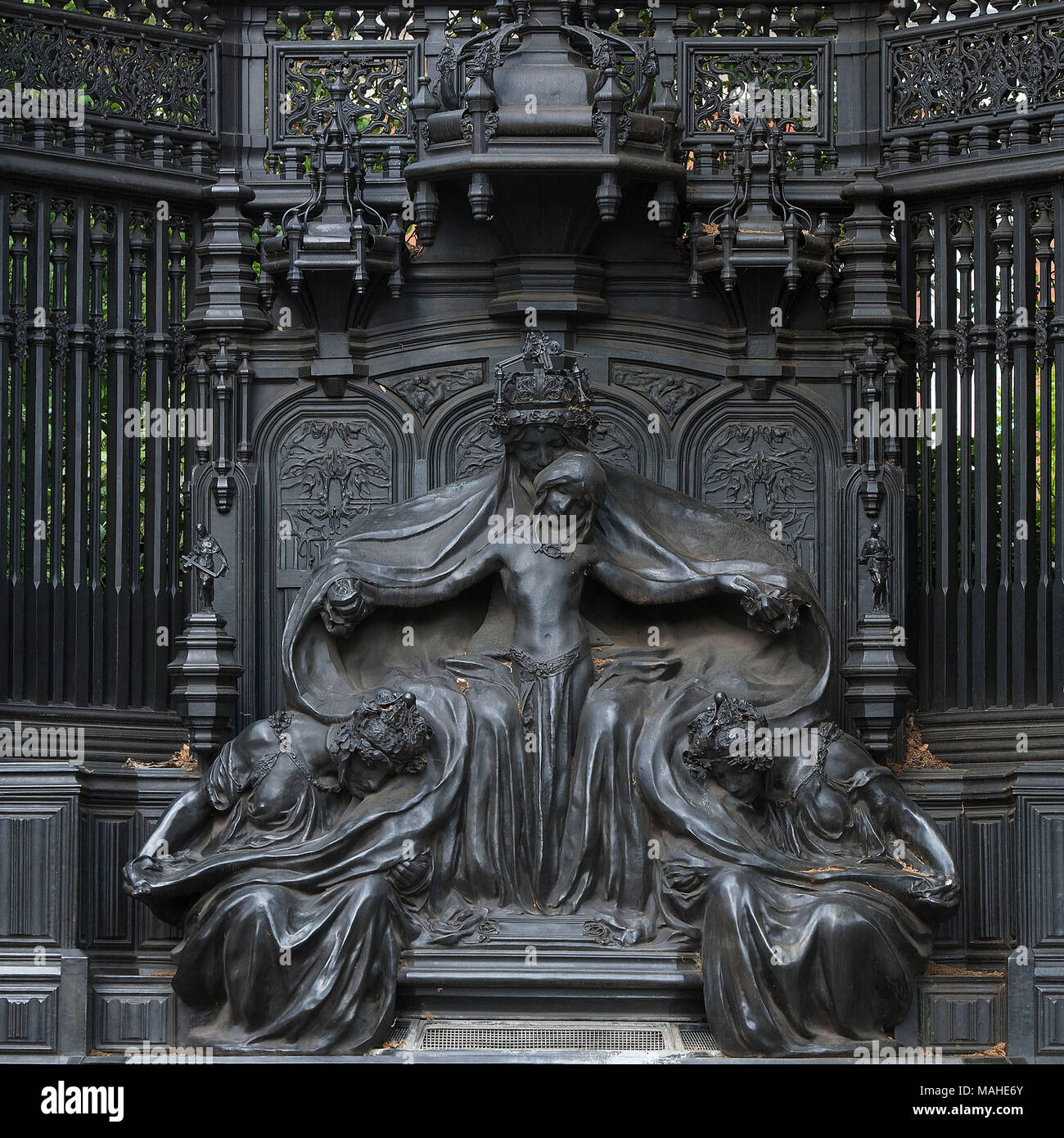 Queen Alexandra Memorial by Sir Alfred Gilbert (1854 - 1934)  Albert Edward, the son of Queen Victoria, married the 18-year-old Danish princess Alexan - Stock Image
