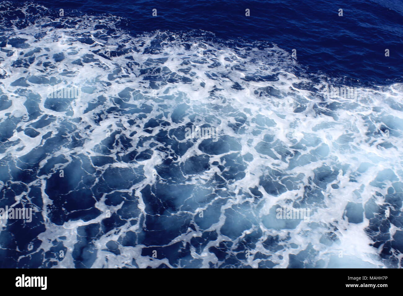 Watching the churning water on a boat trip from Tsilivi, Zante to Kefalonia, ZANTE, PETER GRANT - Stock Image