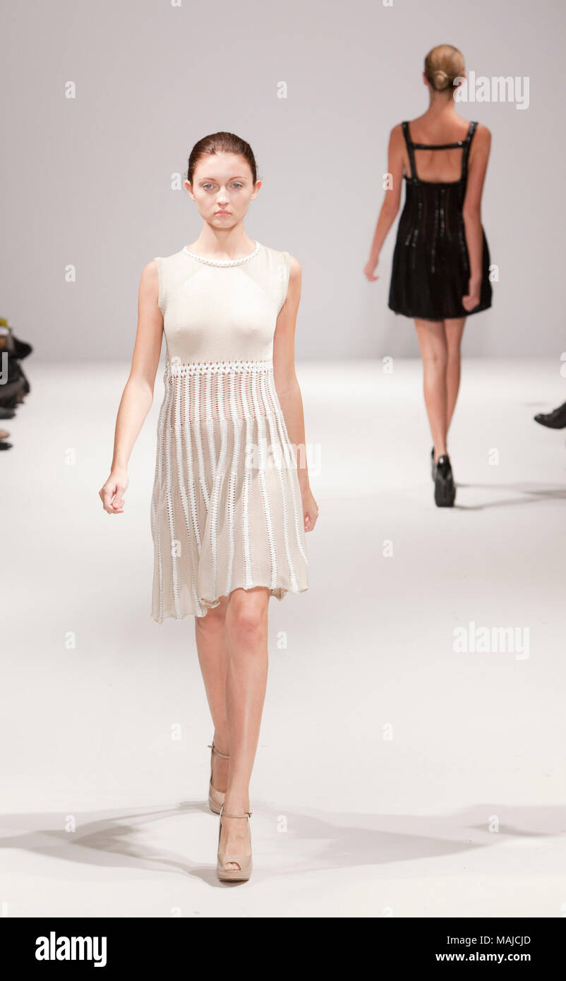 London Fashion Week Catwalk Show By London Designer Alice Lee At The Show Ones To Watch At Vauxhall Fashion Scout Ones To Watch Showcases Emerging Young Designers Stock Photo Alamy