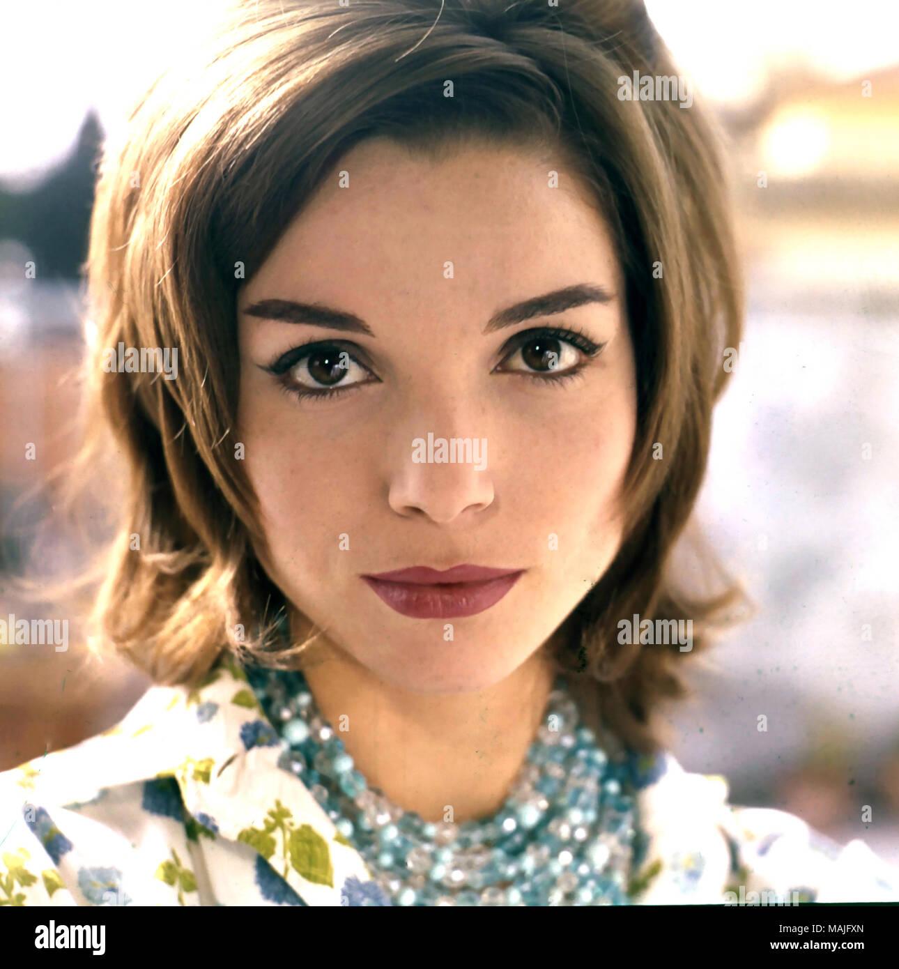 ELSA MARTINELLI (1935-2017) Italian film actress about 1965 - Stock Image