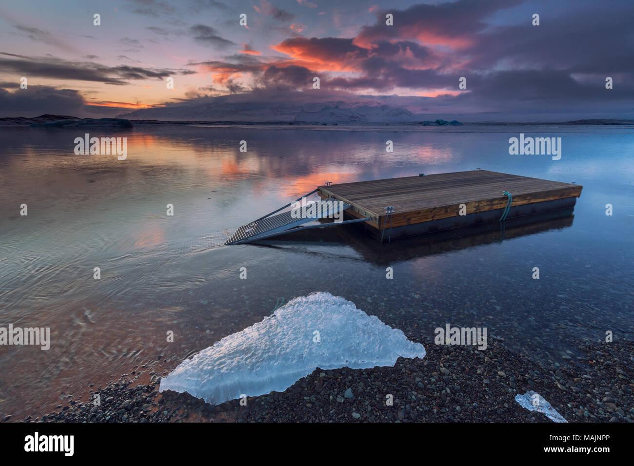 Sunset at jokulsarlon lagoon in Iceland - Stock Image