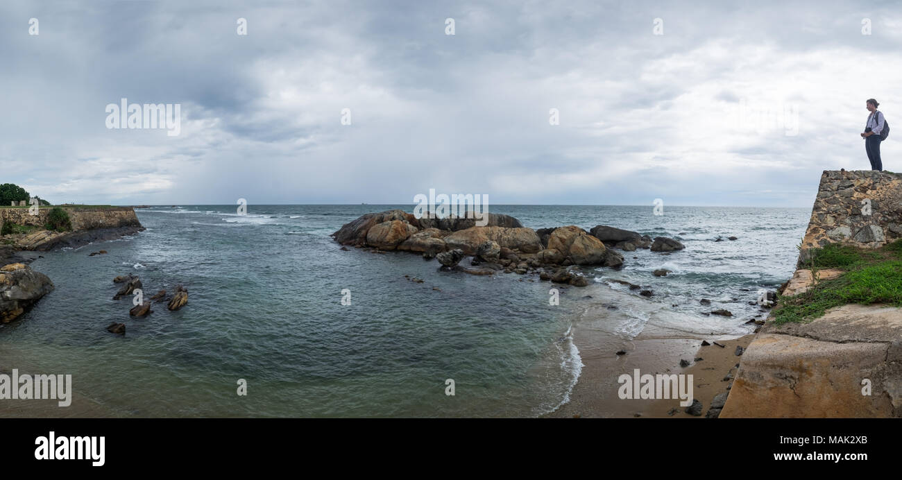 Landscape view on rocky coast ocean in Galle Srilanka - Stock Image