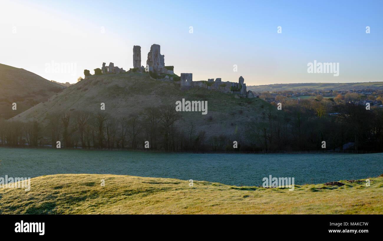 Spring sunrise over Corfe Castle, Purbeck, Dorset, UK - Stock Image