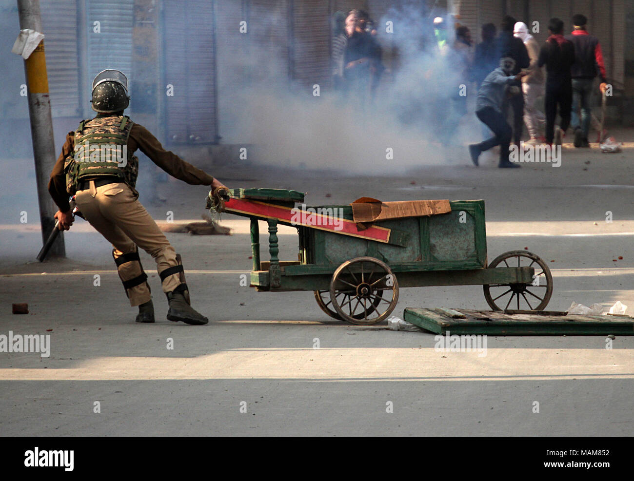 Hand Cart India Stock Photos & Hand Cart India Stock Images - Page 3 ...