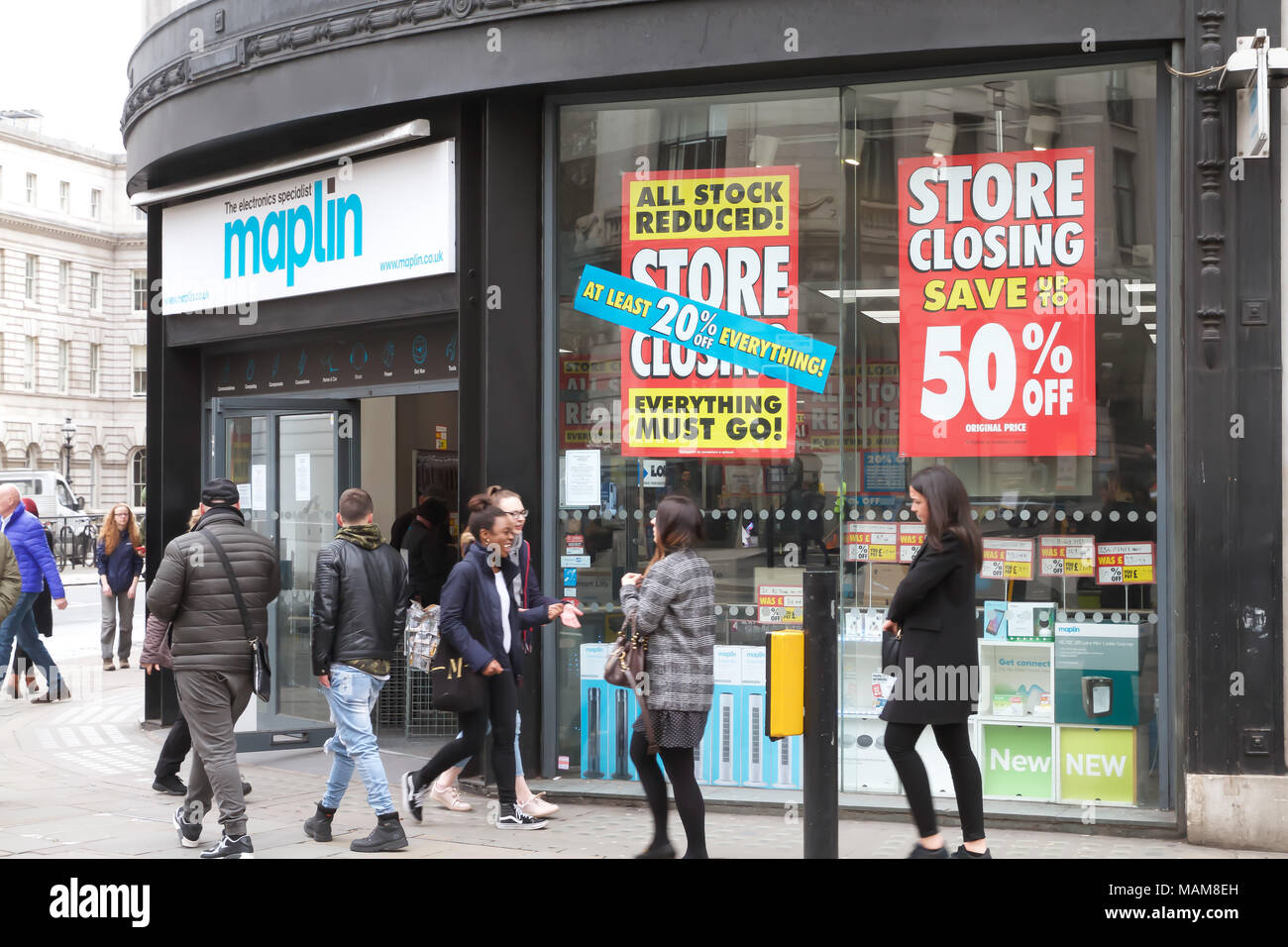 London,UK. 3rd April 2018. Maplin store has a closing down sale  in The Strand, London, job losses continue as hopes of finding a buyer for the company fade.©Keith Larby/Alamy Live News - Stock Image