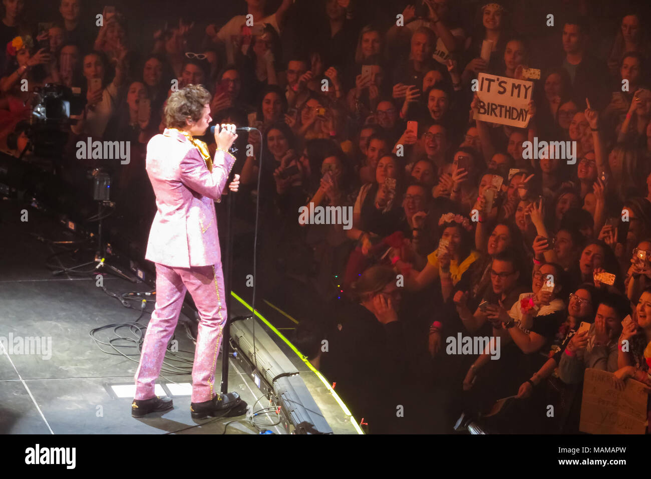 Milan,  Italy - April 2, 2018. The English pop singer Harry Styles performs a live concert at Mediolanum Forum in Assago, Milan. Credit: Alfio Finocchiaro photo / Alamy Live News - Stock Image