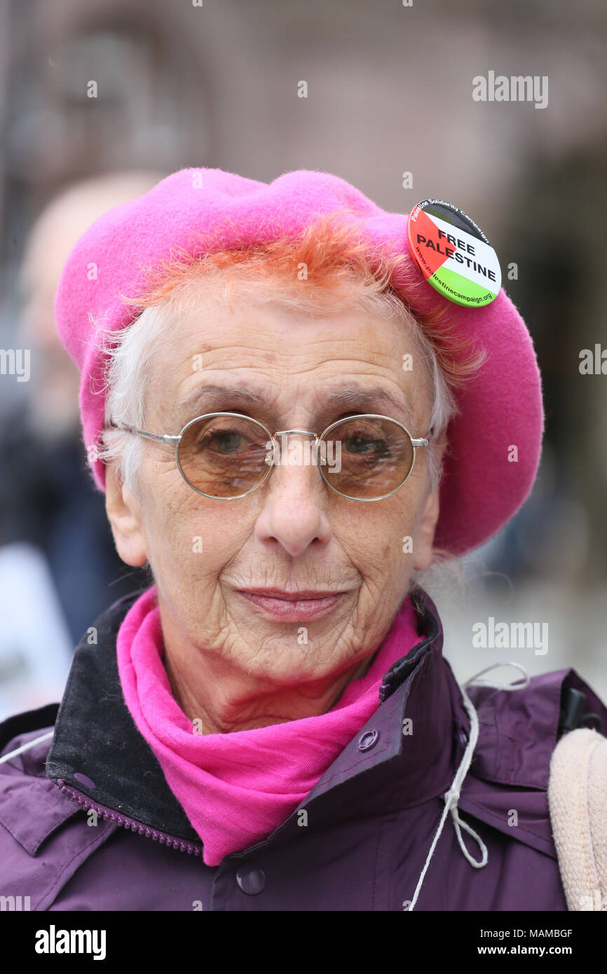 Manchester, UK. 3rd April, 2018. A pro Palestinian campaigner wearing a 'free palestine' badge at a vigil, St Peters Square, Manchester, 3rd April, 2018 (C)Barbara Cook/Alamy Live News - Stock Image