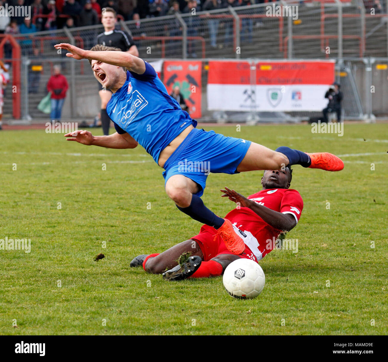 sports, football, Regional League West, 2017/2018, Rot Weiss Oberhausen vs Wuppertaler SV 1:1, Stadium Niederrhein in Oberhausen, scene of the match, Daniel Heber (RWO) right and Enzo Wirtz (WSV) - Stock Image