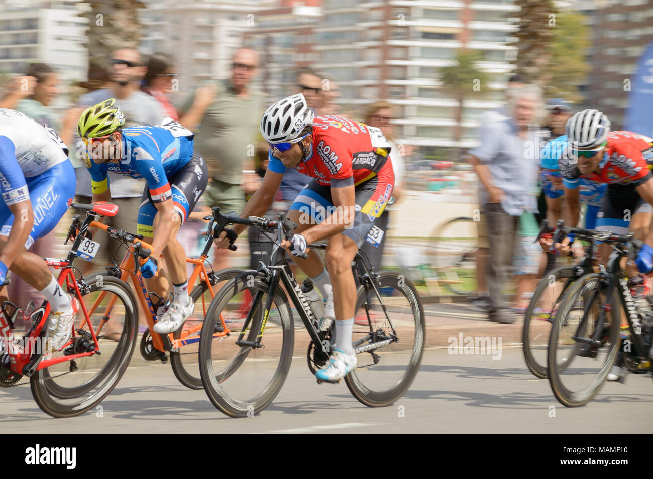 MONTEVIDEO, URUGUAY – APRIL 1, 2018: Cyclists in the last stage, 75 edition of vuelta ciclistica del Uruguay. - Stock Image