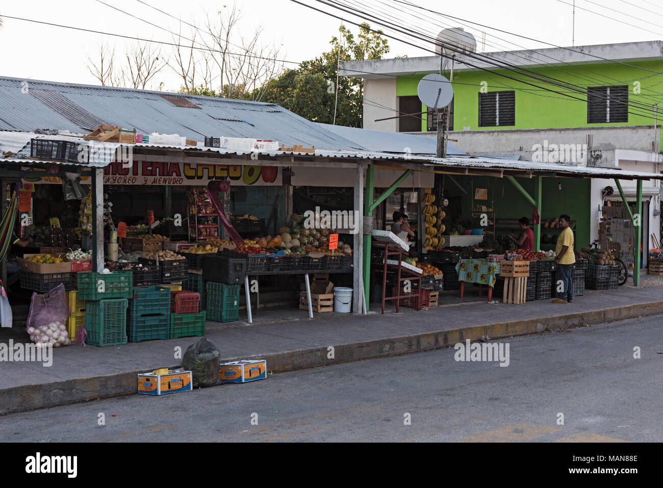 Fruit and vegetable shop in Xpujil, Campeche, Mexico - Stock Image