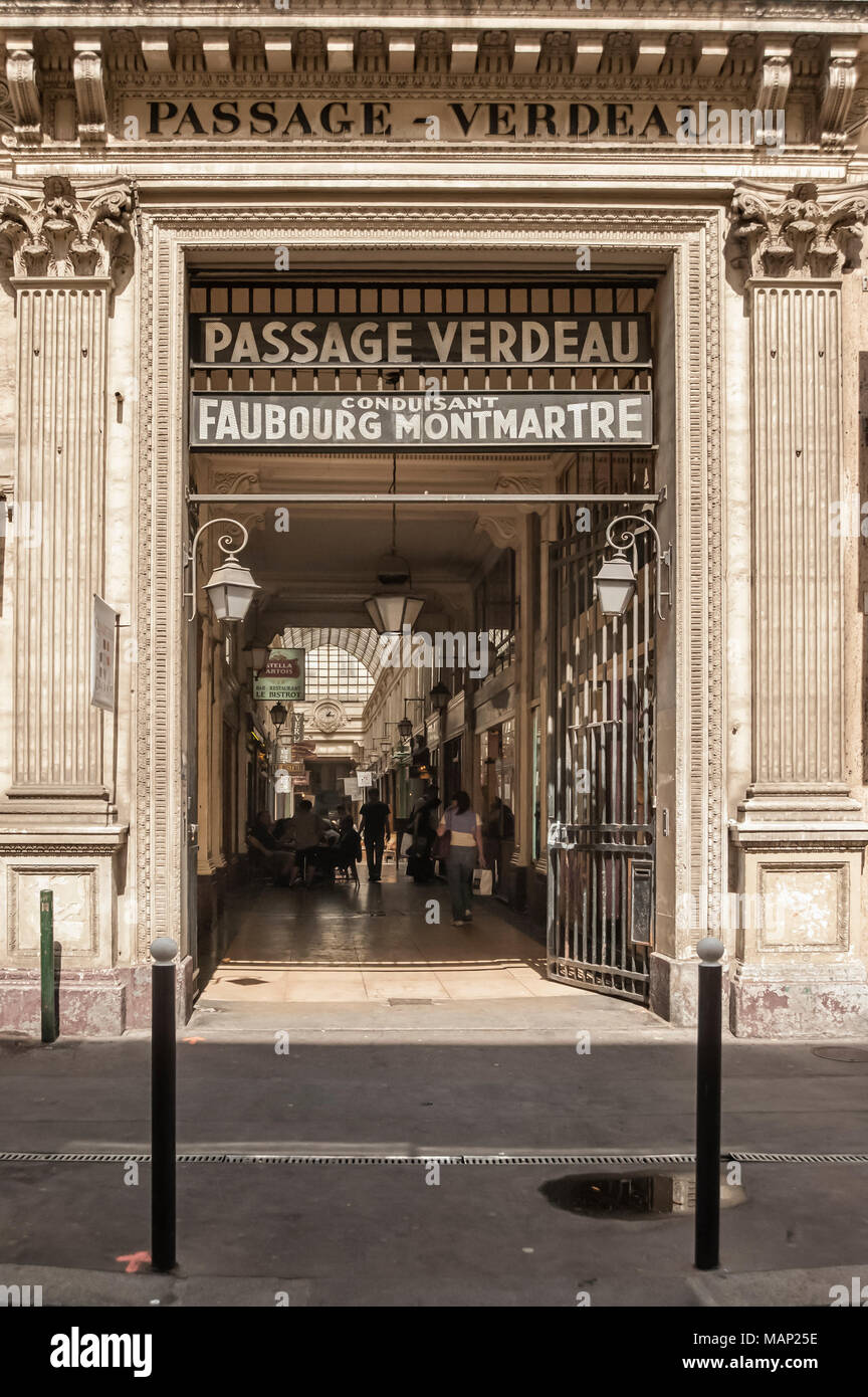 PASSAGE VERDEAU, PARIS, FRANCE:  Entrance to the covered Passage with sign - Stock Image