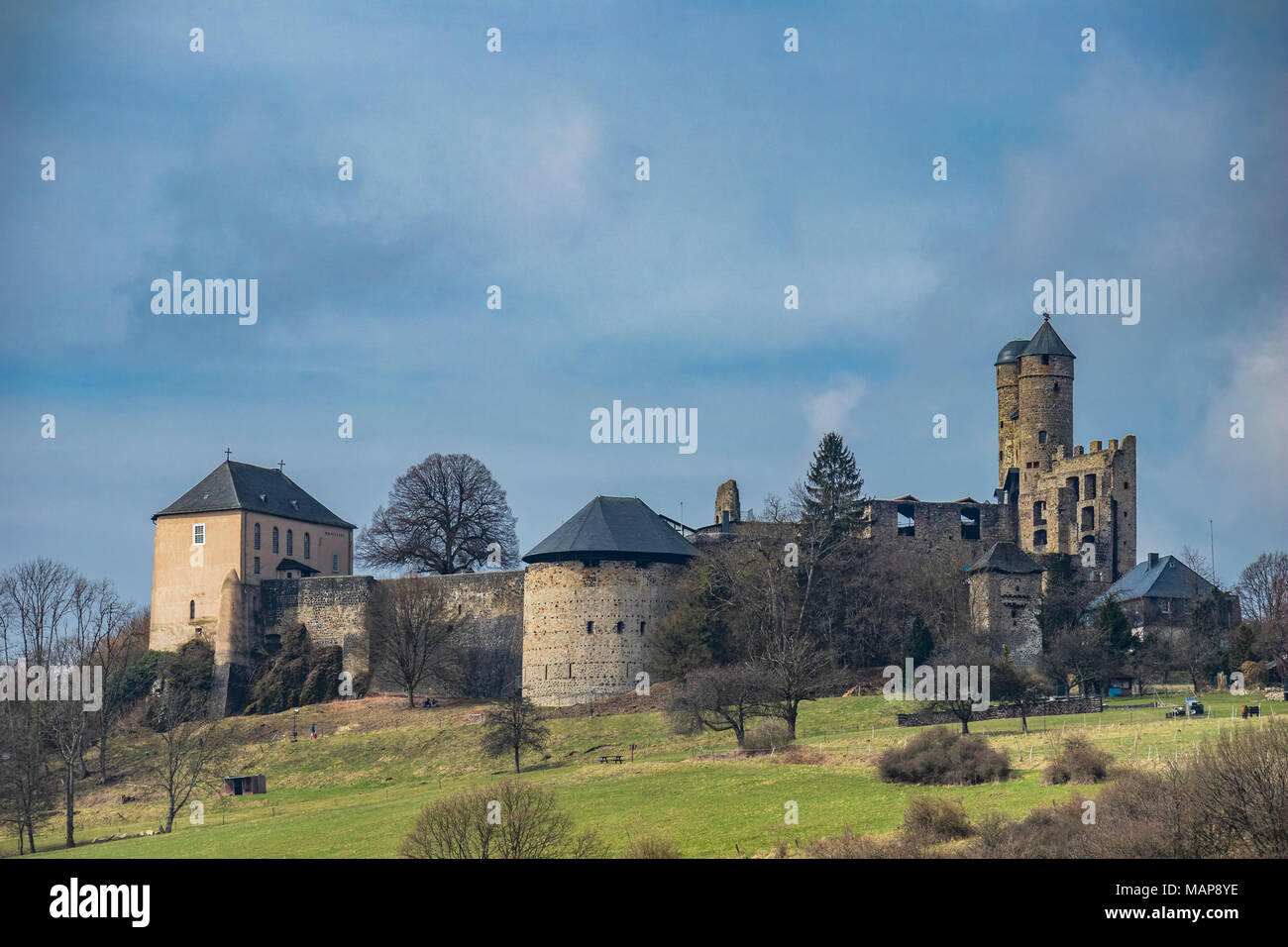 Greifenstein Castle, Burg Greifenstein, Greifenstein, Germany, highlighted for its double chapel (L), twin-towered bergfried (R) and bell museum Stock Photo