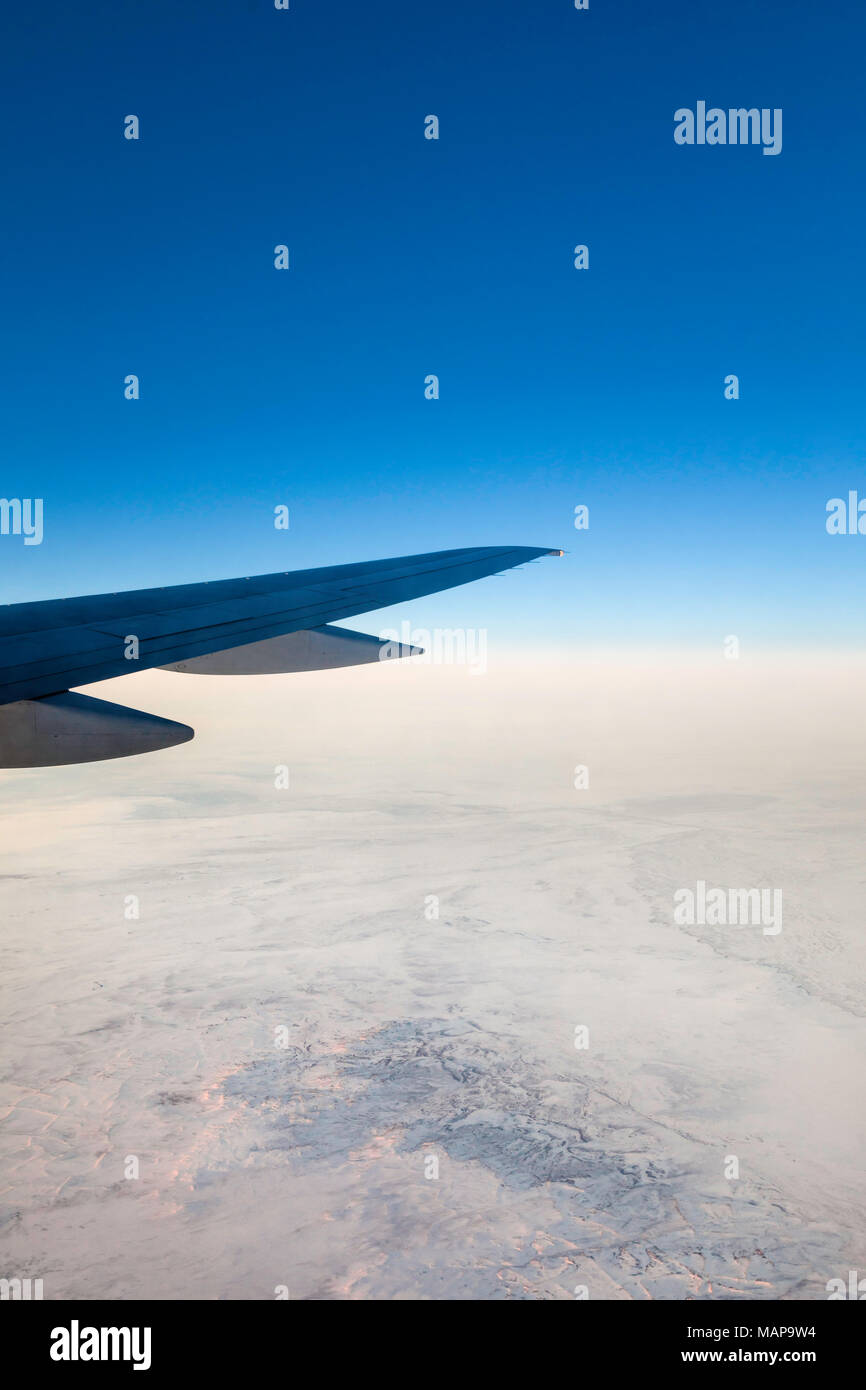 Uzbekistan Airways flight to Tashkent, somewhere over the Kyzyl Kum Desert. Picture date: Wednesday March 14, 2018. Photograph by Christopher Ison © - Stock Image