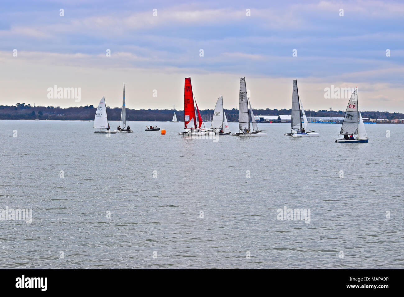 Learn sailing right! Beginning sailing (the small boat.