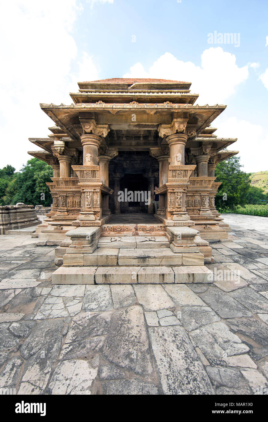 The Sas-Bahu Temples consisting of two temples and a stone archway with exquisite carvings depicting Hindu deities, near Udaipur, Rajasthan, India, As - Stock Image