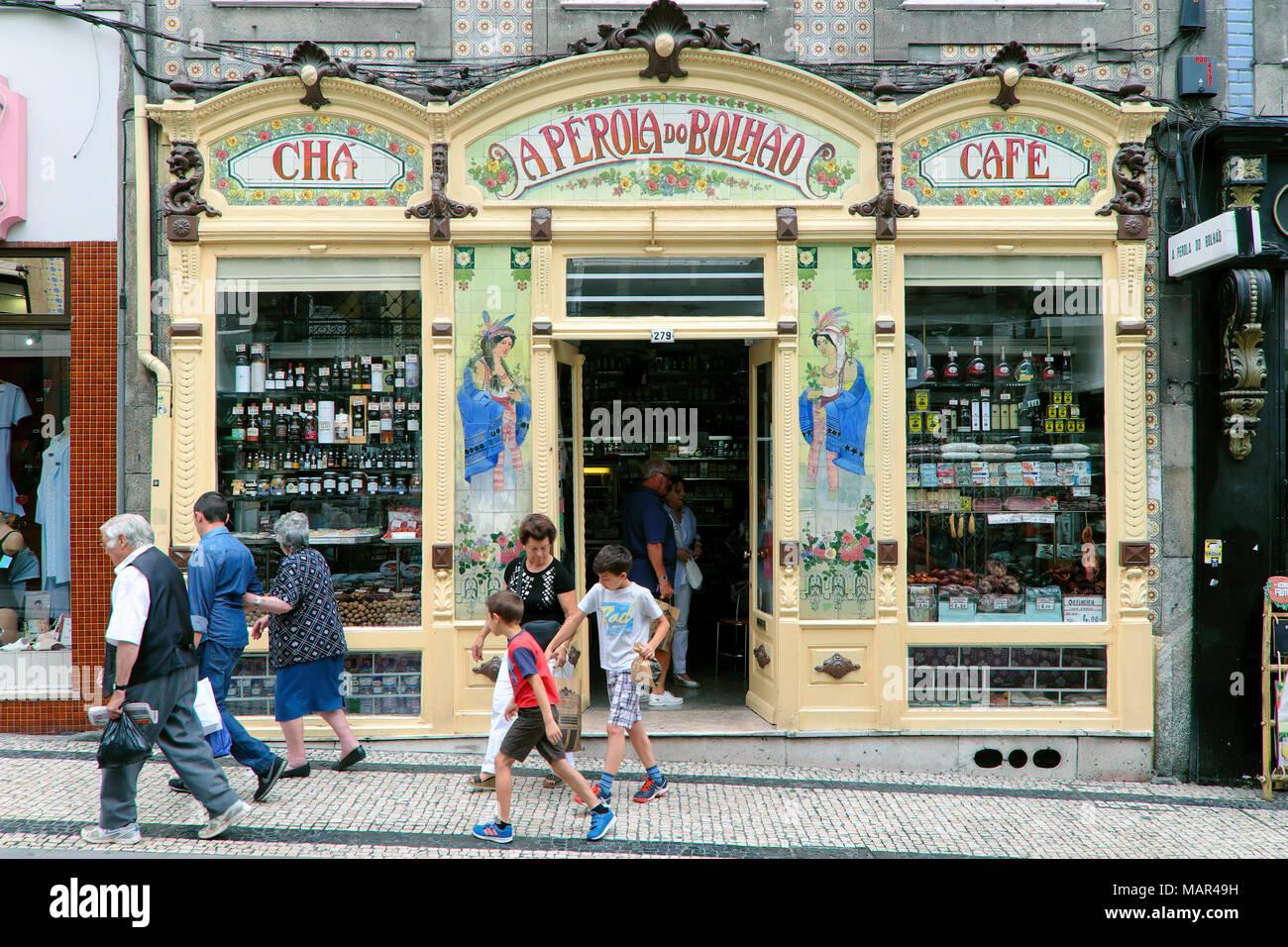 A Pérola do Bolhão grocery store, Porto, Norte Region, Portugal - Stock Image