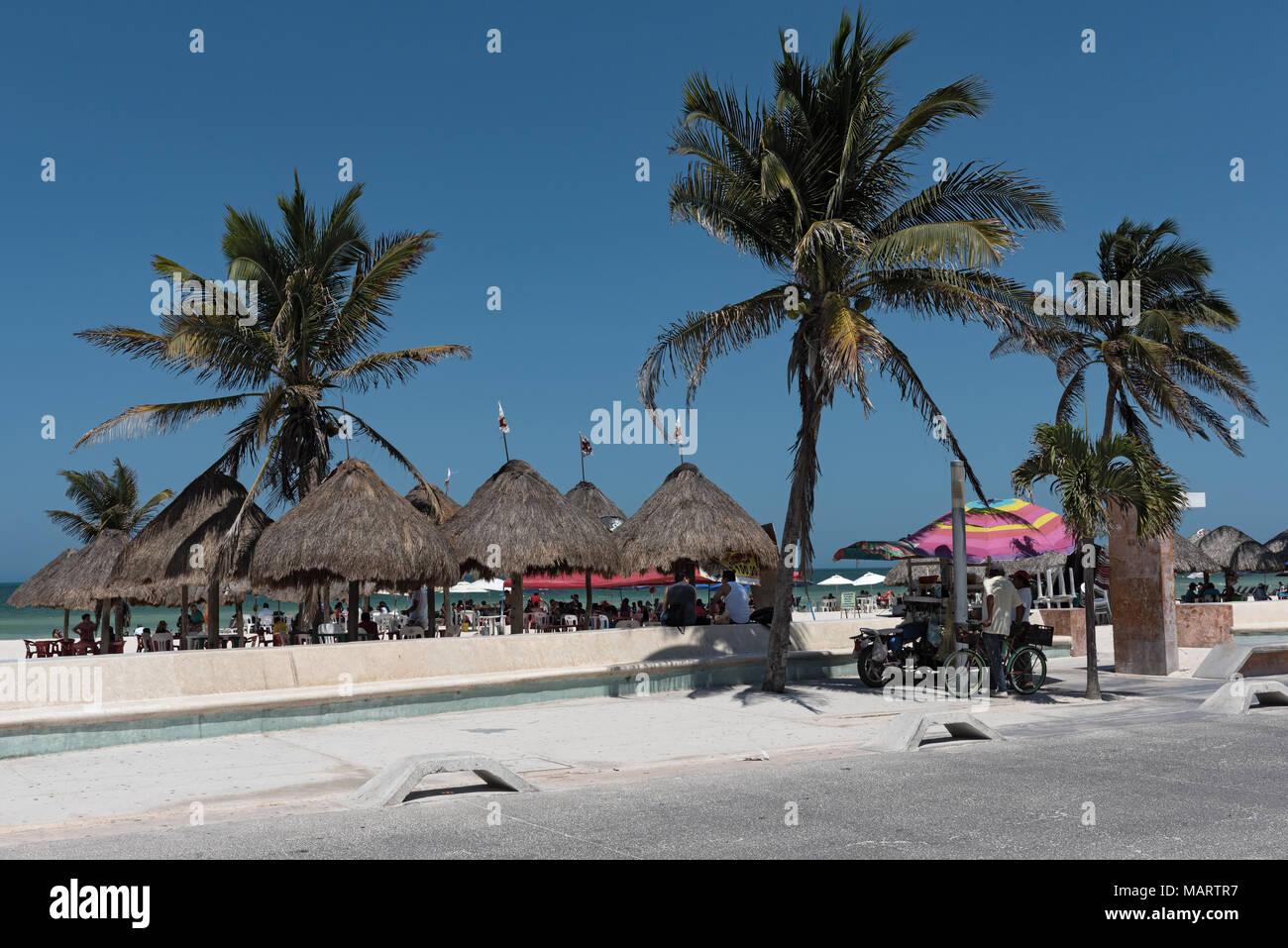 Souvenir stalls on the beach promenade of Progreso, Yucatan, Mexico - Stock Image