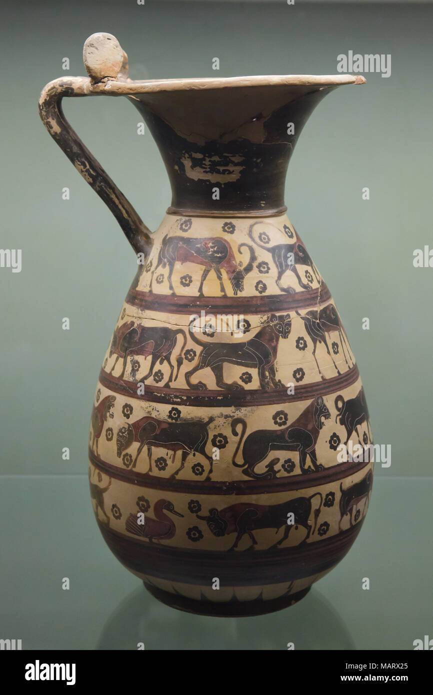 Corinthian black-figure ople (wine jug) from 640-625 BC on display in the Museo archeologico nazionale (National Archaeological Museum) in Florence, Tuscany, Italy. Stock Photo