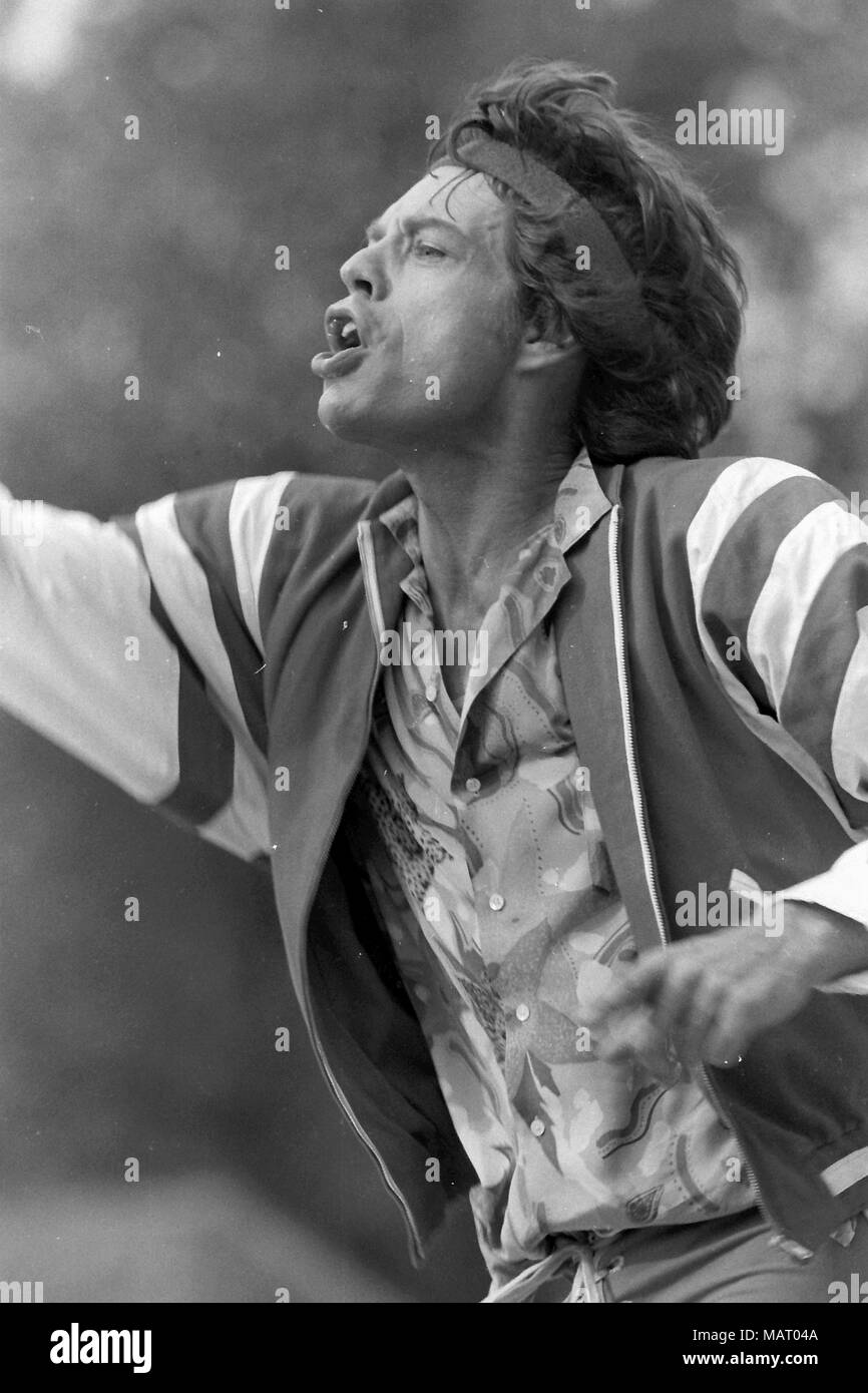 Mick Jagger of the Rolling Stones Roundhay Leeds 1982/credit Paul Cousans for Hickes - Stock Image
