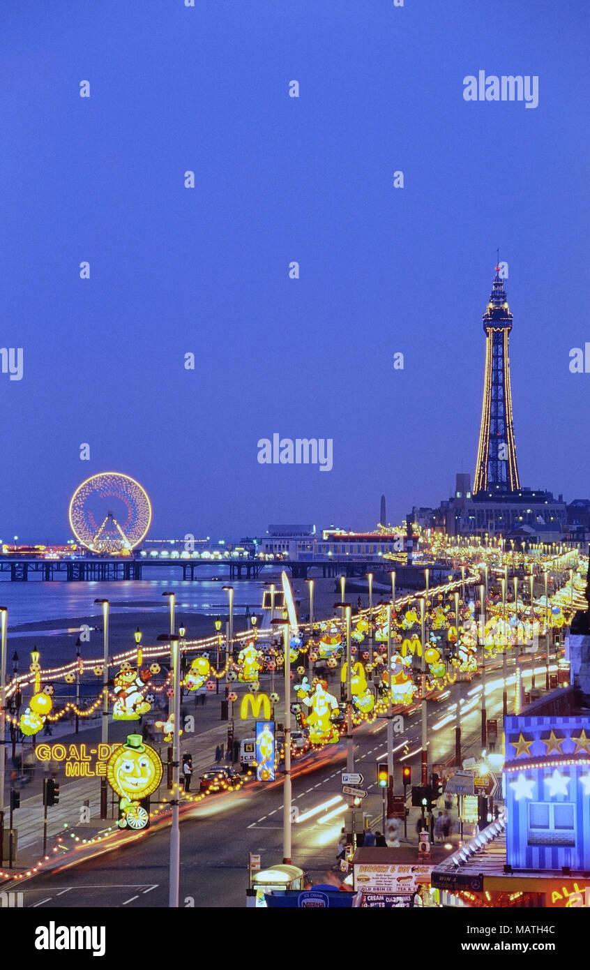 The Golden Mile Blackpool at night. Lancashire, England, UK - Stock Image