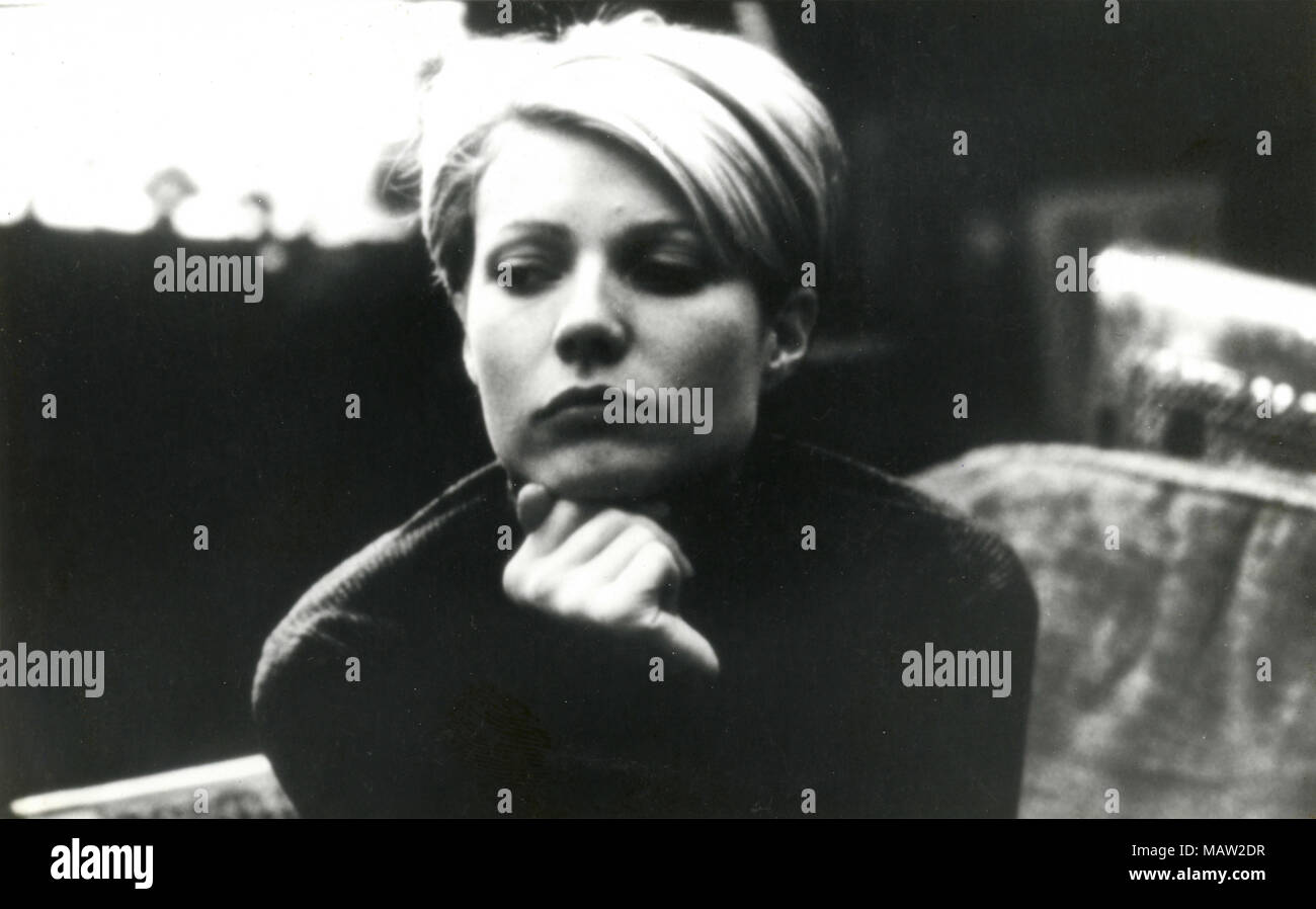 American Actress Gwyneth Paltrow In The Movie Sliding Doors 1998