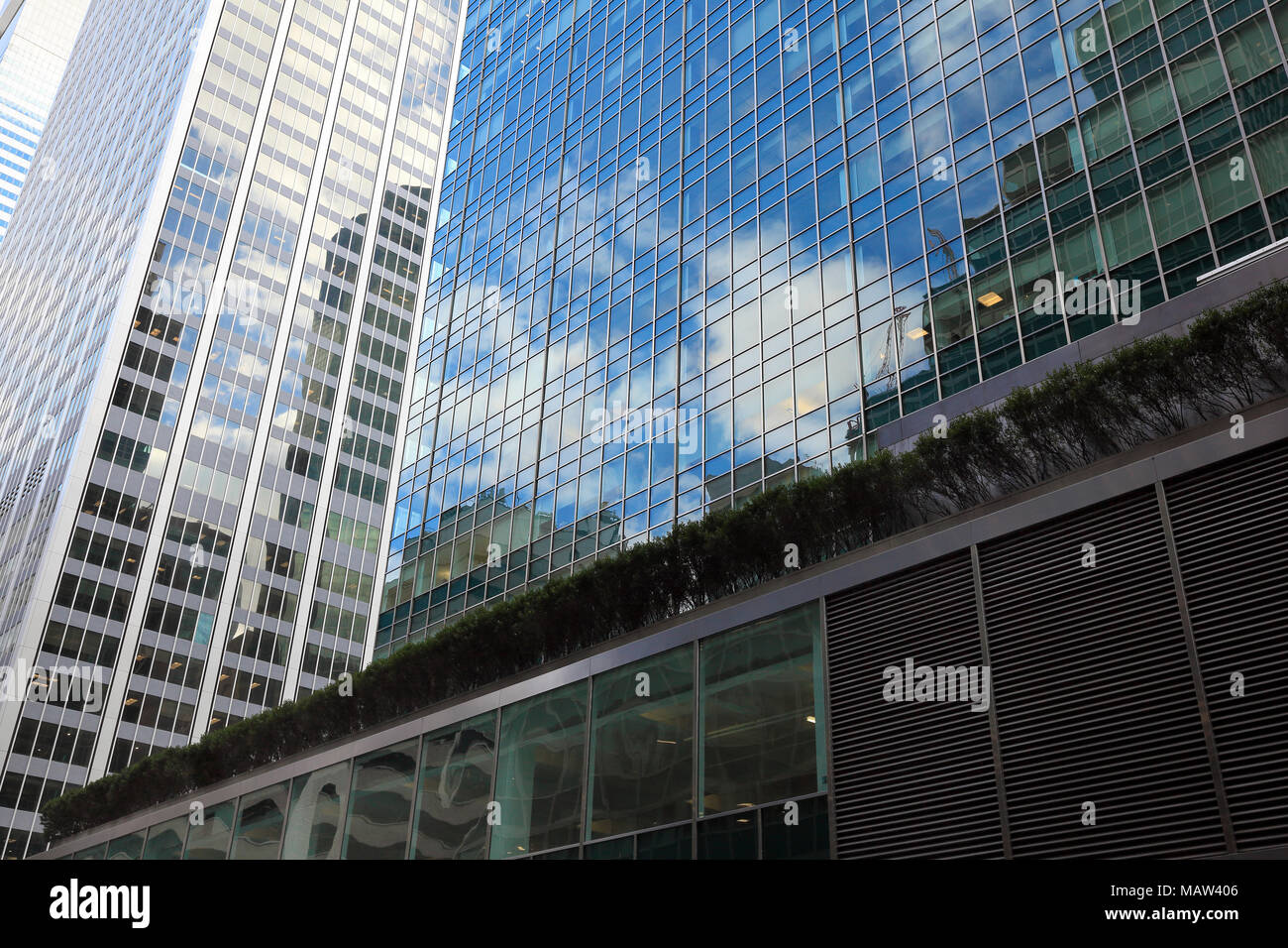 Facade of the Lever House building in Midtown Manhattan, New York City - Stock Image