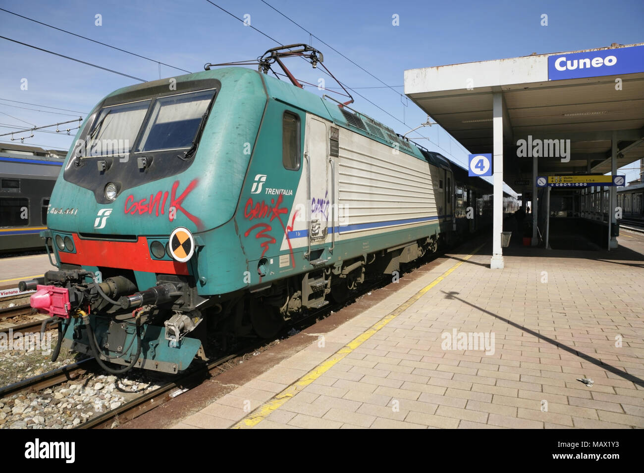 Italian railways class 464 electric locomotive waiting at Cuneo station. -  Stock Image