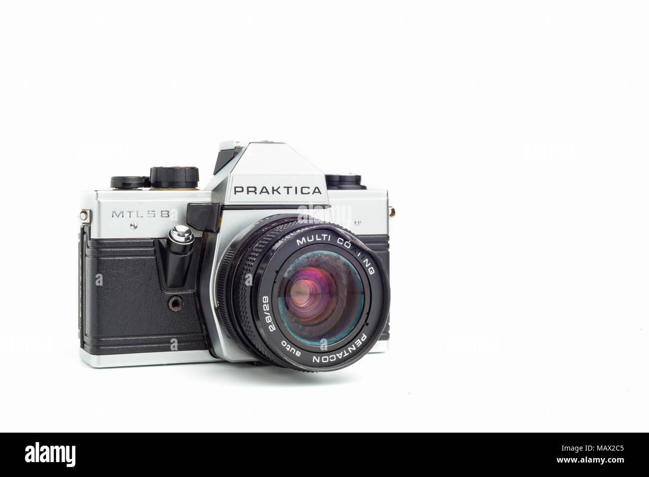 wednesday 20 february 2018, Badajoz, Spain. Praktica MTL5B Old photo camera on white background - Stock Image