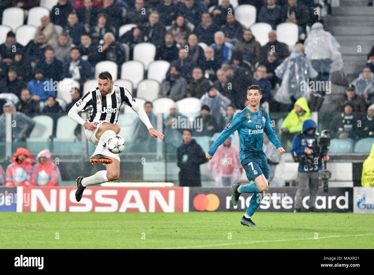 Juventus Football Club: Juventus Vs Real Madrid Stock Photos & Juventus Vs Real