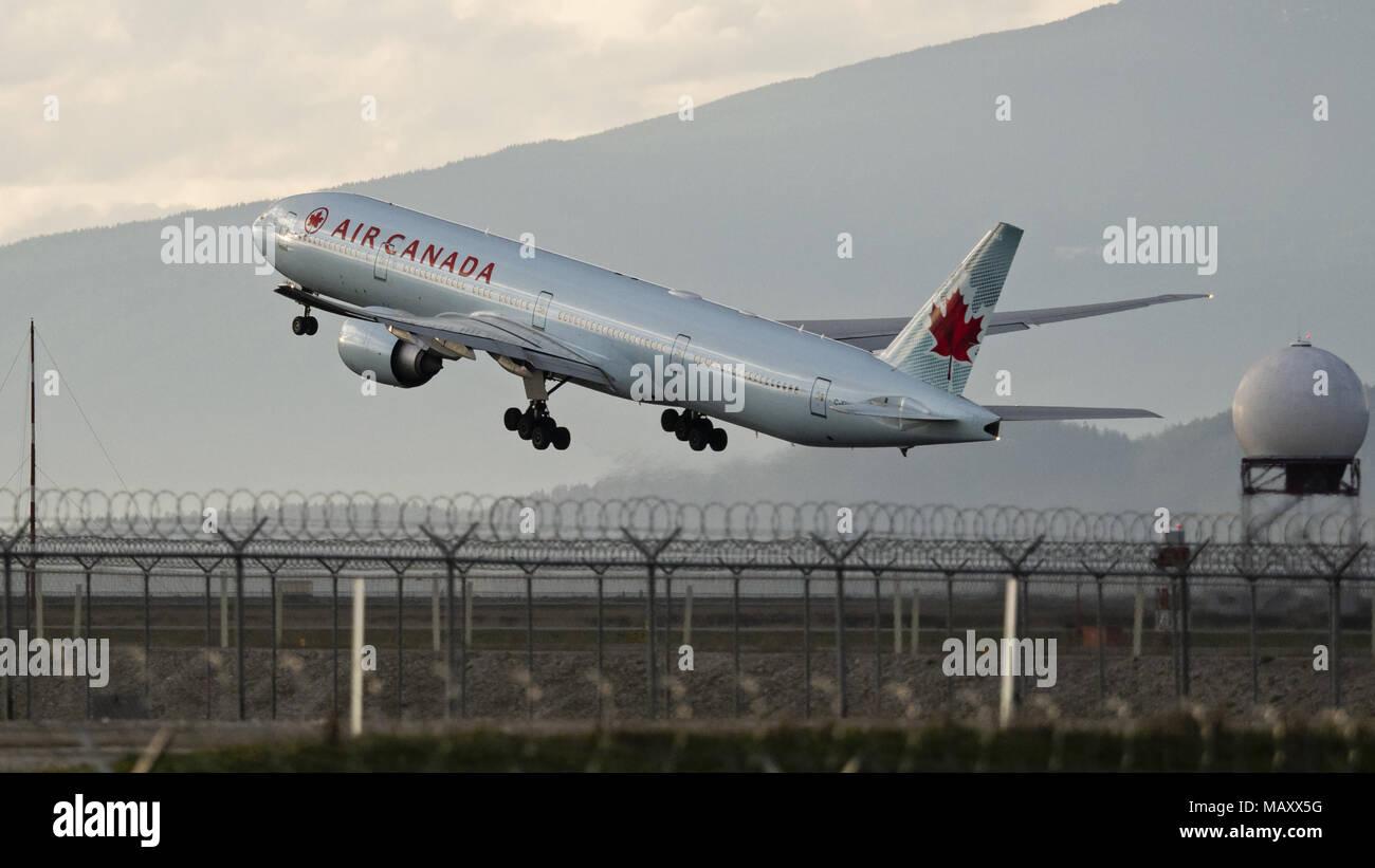 Richmond, British Columbia, Canada. 27th Mar, 2018. An Air Canada ...
